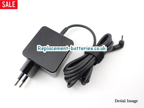 Genuine SAMSUNG NP900X2K-S01US Laptop AC Adapter 12V 2.2A 26W